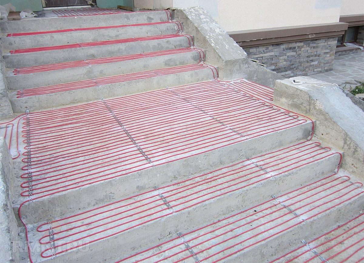 Система снеготаяния на ступеньках и лестнице нагревательным кабелем
